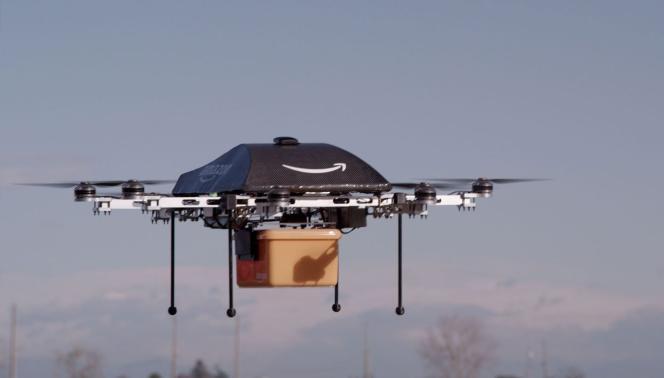 Vol d'essai du drone de livraison à domicile «Prime Air» d'Amazon.