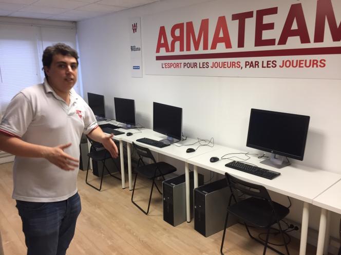 Loin de ses débuts amateurs en 1997, ArmaTeam est désormais un club d'e-sport professionnel, avec salle d'entraînement et joueurs en CDI.