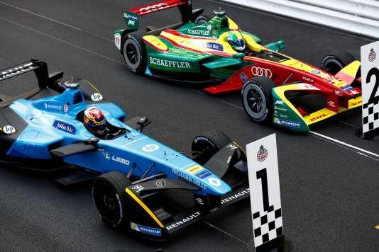 Sur la grille de départ du ePrix de Monaco, la Renault-eDams de Sebastien Buemi et l'Abt-Schaeffer Audi de Lucas di Grassi.