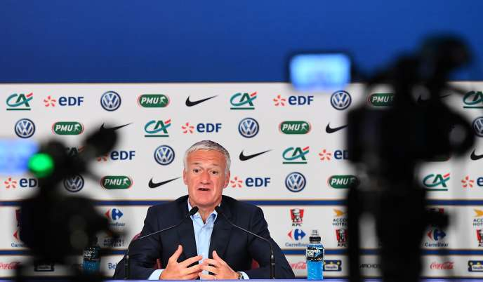 French national football team coach Didier Deschamps gives a press conference in Paris on May 18, 2017, to announce his squad for the World Cup 2018 qualifiers against Sweden on June 9, and friendly football match against Paraguay and England on June 2 and 13. / AFP / FRANCK FIFE