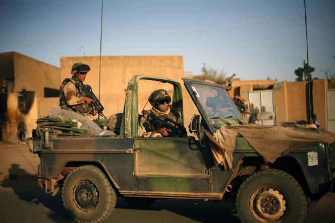 De nombreuses publications louaient, par exemple, l'intervention française au Sahel dans le cadre de la luttre contre les groupes djihadistes opérant dans la région.
