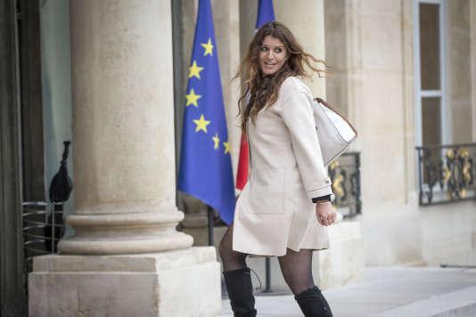 Marlène Schiappa participe au conseil des ministres au palais de l'Elysée à Paris, le18mai2017.