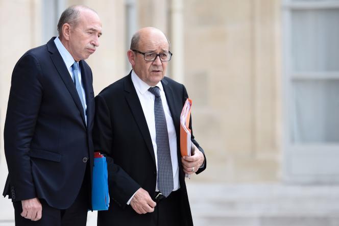 Le ministre de l'intérieur, Gérard Collomb, et celui des affaires étrangères, Jean-Yves Le Drian, le 18 mai à l'Elysée.