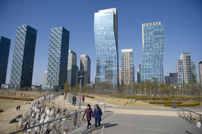 First South Korean smart city, Songdo was built on a polder of 600 hectares reclaimed from Yellow Sea