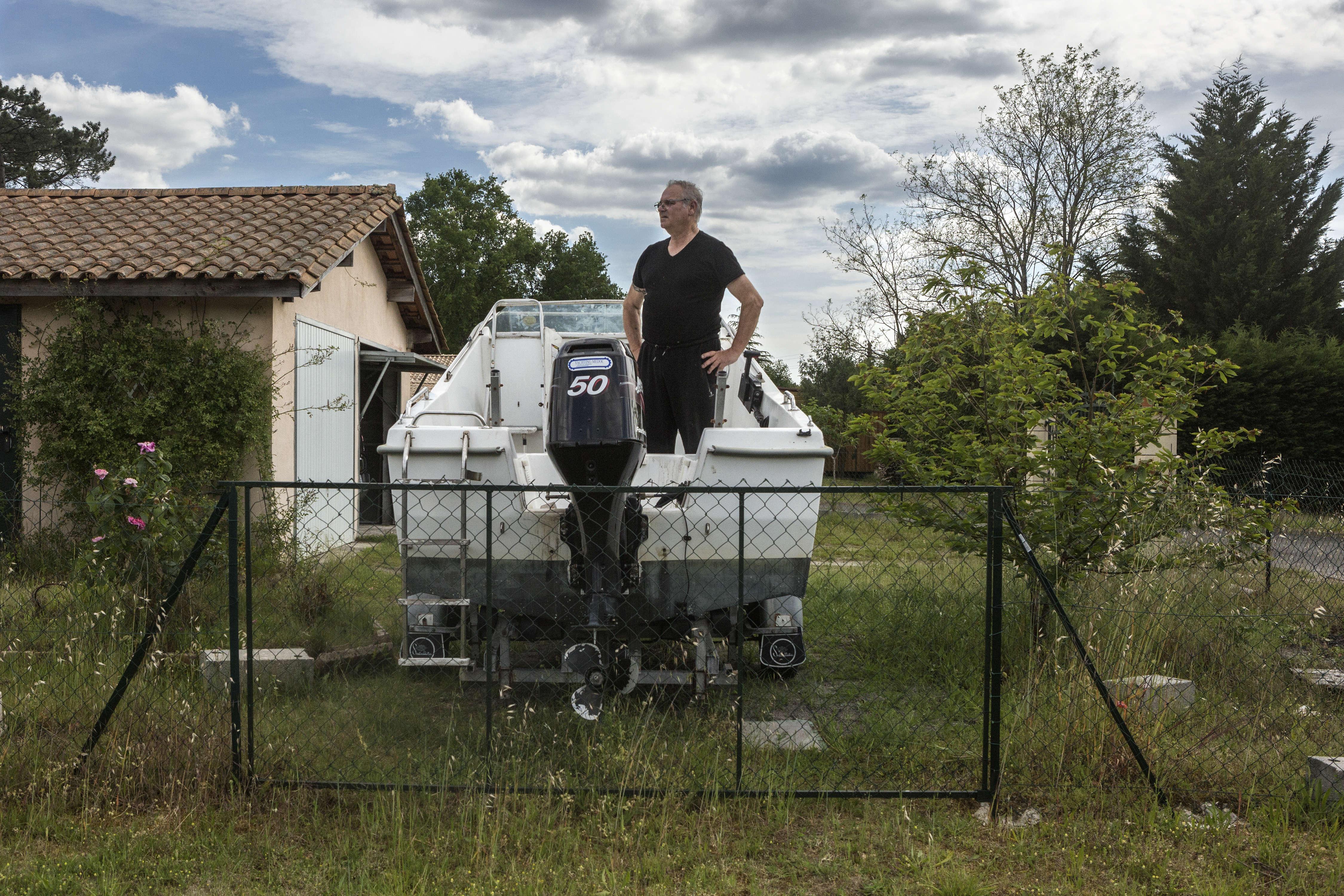 Venu de la région parisienne, Daniel, retraité, est venu s'installer à Belin-Béliet il y a huit ans. Il a fait construire sa maison sur le site de l'ancienne usine de vélos Cazenave, fermée en 1975 . Au plus fort de son activité, l'entreprise possédait 35ha et une cité ouvrière de 50maisons, un cinéma, une cantine...