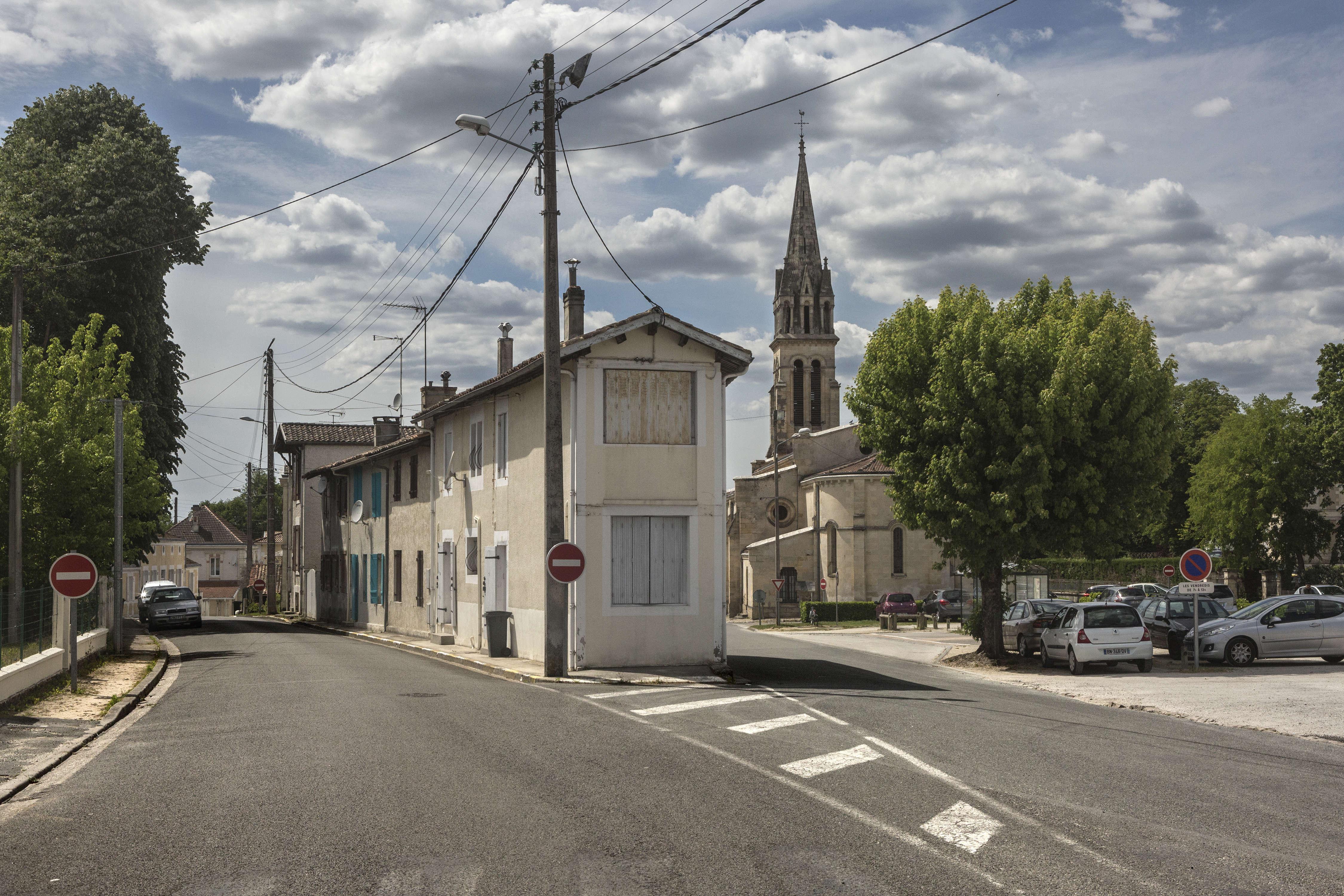 Marine Le Pen a réalisé un score inédit à l'élection présidentielle dans ce village du sud de la Gironde, une zone perçue comme«courue et privilégiée» près de l'océan.