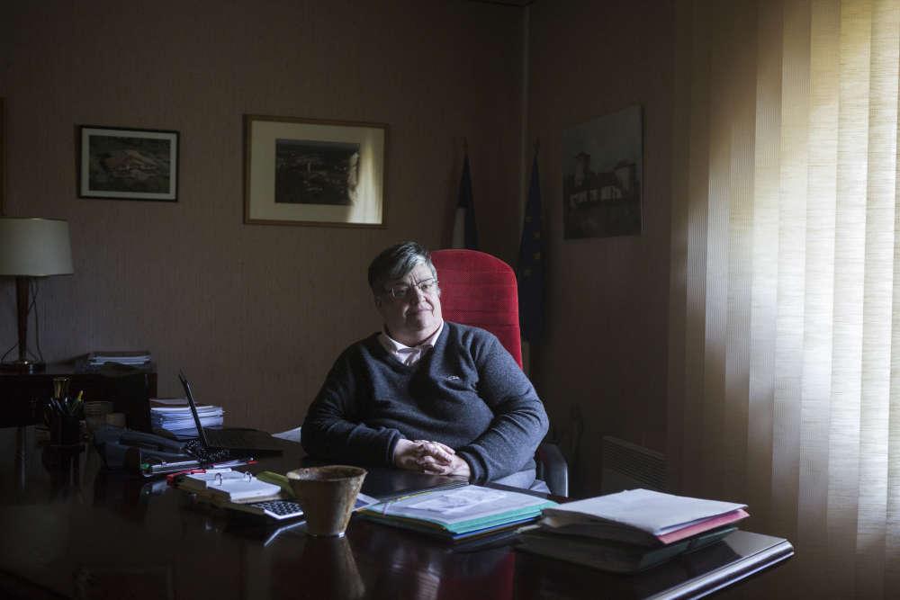 Marie-Christine Lemonnier, maire de Belin-Béliet (divers droite). Elle est actuellement dans son second mandat. Le score du FN l'a «dépitée», admet-elle.