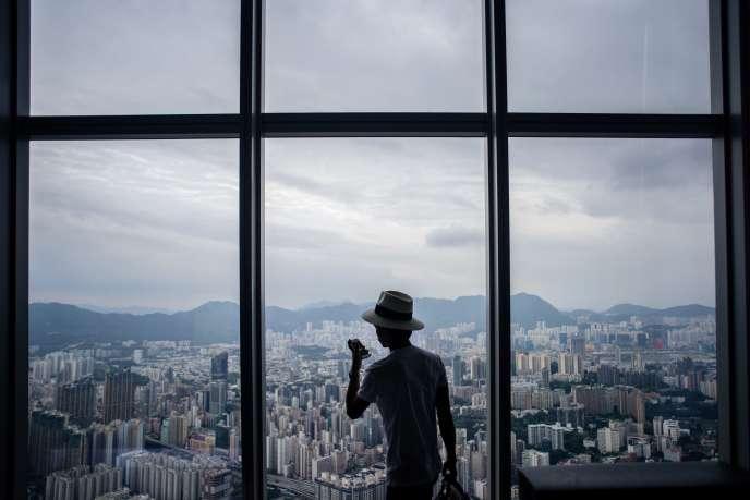 Le district de Kowloon City vu de l'International Commerce Center, à Hong Kong, le 16 mai.