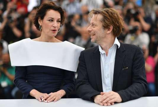 Jeanne Balibar et Mathieu Amalric pour le film«Barbara», au 70eFestival de Cannes, le 18mai 2017.