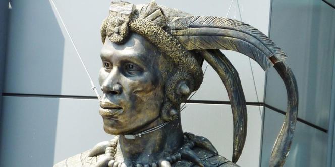 Effigie du roi zoulou Chaka.