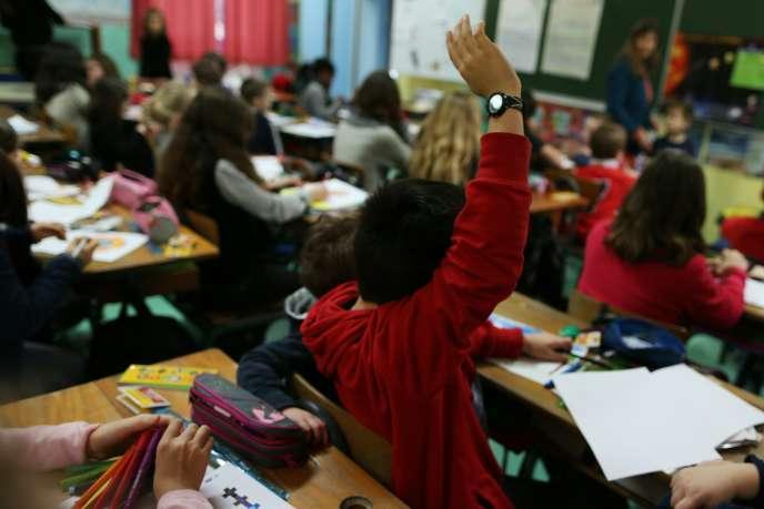 Pendant un cours d'école primaire à Cherbourg-Octeville, janvier 2016