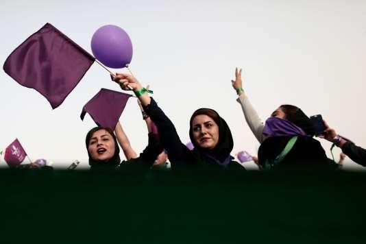 Des partisanes d'Hassan Rouhani, président et candidat à sa réélection, à Ahvaz, le 16mai.