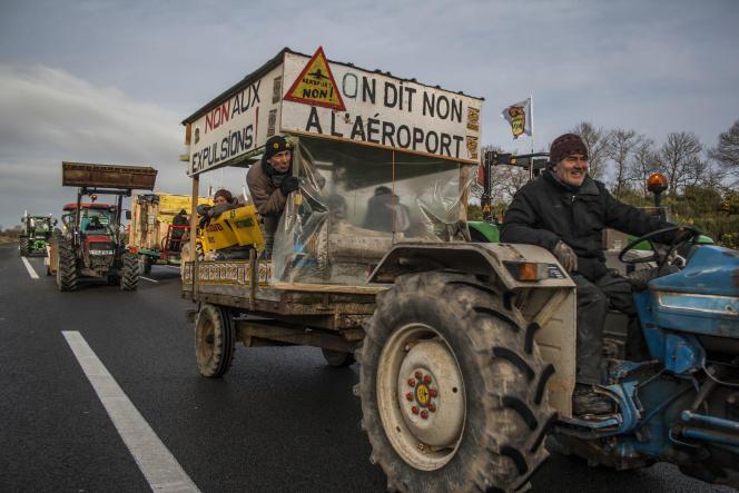 Des opposants au projet d'aéroport, en janvier 2016, à Notre-Dame-des-Landes.
