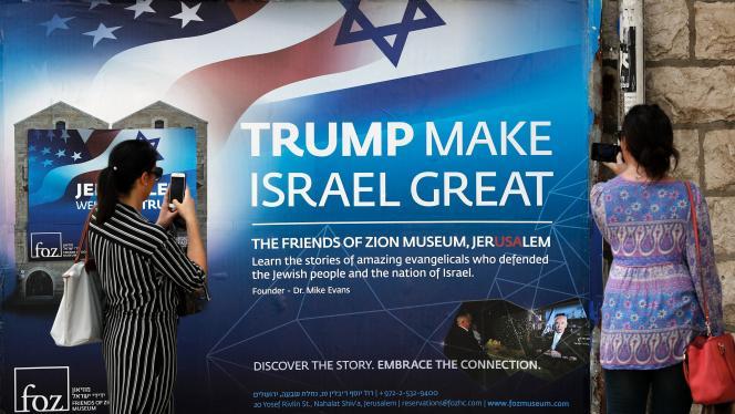 Une affiche de bienvenue en l'honneur deDonald Trump, à Jérusalem le 19 mai, quelques jours avant sa visite en Israël.
