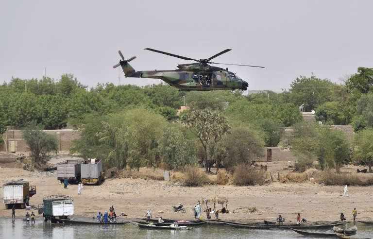 Un hélicoptèrede la force française «Barkhane» au Mali. A Gao, le 19 mai.