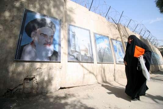 Les bureaux de vote sont finalement restés ouverts jusqu'à minuit samedi en Iran puisque des milliers de personnes faisaient encore la queue à 20heures.