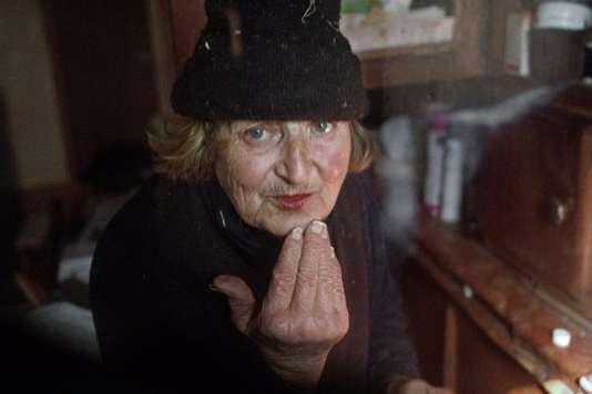 Claudette, 75 ans, est la figure centrale du documentaire français de Christophe Agou,«Sans adieu».