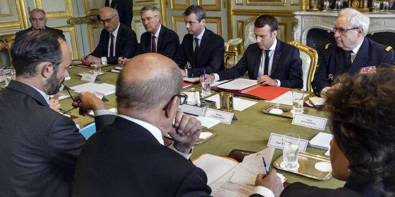 Lors du conseil de défense à l'Elysée, jeudi 18 mai 2017.