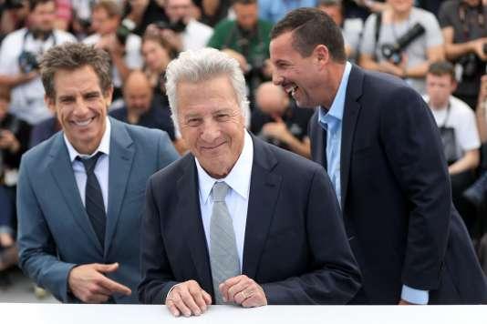 De gauche à droite : les acteurs Ben Stiller, Dustin Hoffman et Adam Sandler pour le film américain de Noah Baumbach,« The Meyerowitz Stories (New and Selected)», au 70e Festival de Cannes, le 21 mai 2017.