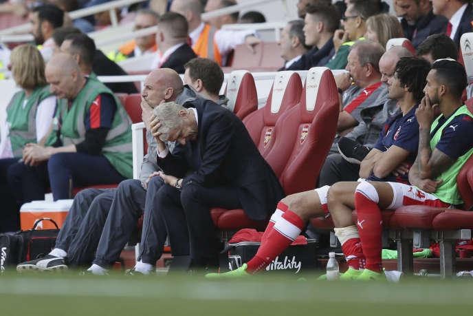 Arsène Wenger, dépité par le déroulement de cette fin de saison, n'est pas certain d'être encore sur le banc d'Arsenal la saison prochaine.