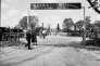 L'entrée du camp Siegfried à Yaphank, photographiée le 22 mai 1938.