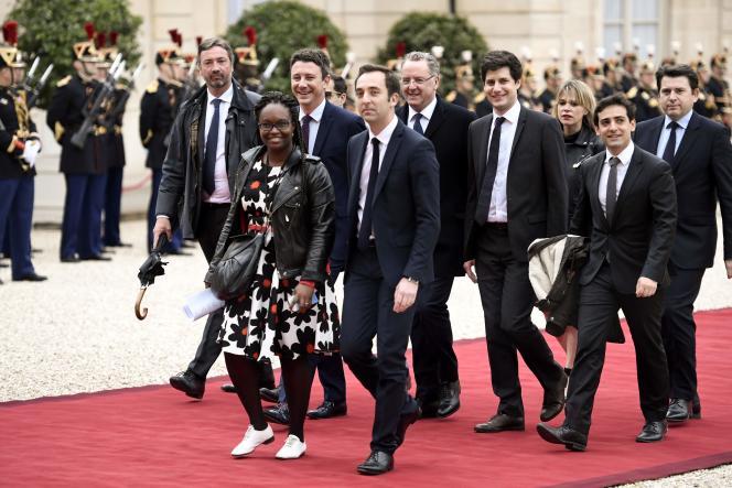 La garde rapprochée d'Emmanuel Macron lors de la cérémonie d'investiture, le 14 mai.