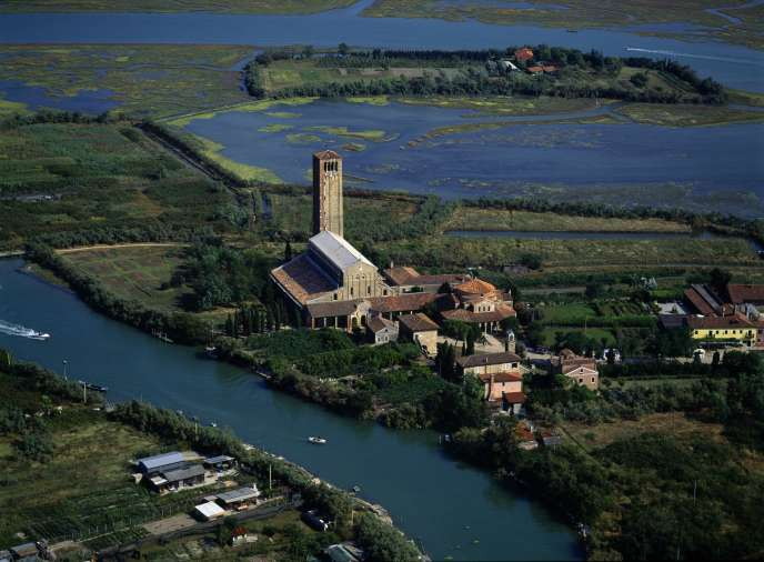 Torcello et la basilique Santa Maria Assunta, vus du ciel.