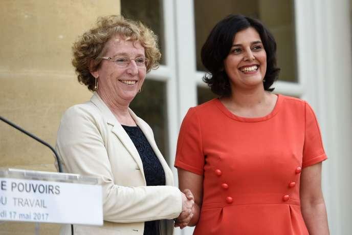 Myriam El Khomri, ministre sortante, accueille Muriel Pénicaud au ministère du travail, rue de Grenelle, le 17 mai.