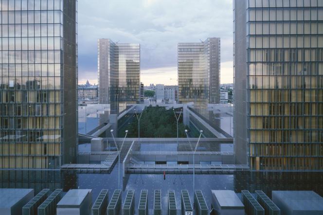La Grande Bibliothèque François Mitterrand à Paris, conçue par l'architecte Dominique Perrault.