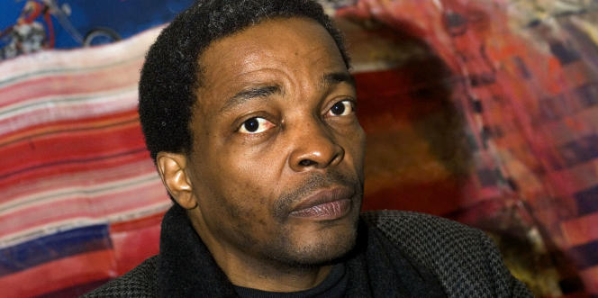 Simon Njami, pourfendeur d'une vision exotique des artistes africains.