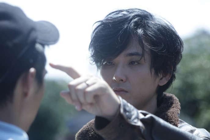 Une scène du film japonais de Kiyoshi Kurosawa,«Avant que nous disparaissions» («Sanpo suru shinryakusha»).