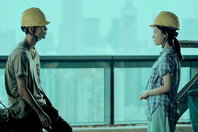 Yin Fang et Zishan Yang dans le film chinois de Li Ruijun,«Passage vers le futur» («Walking Past the Future»).