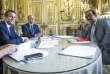 « Le référendum d'entreprise autorise le contournement total des syndicats pour élaborer des accords d'entreprise (Emmanuel Macron reçoit Philippe Martinez (CGT), au Palais de l'Elysée, le 23 mai 2017).