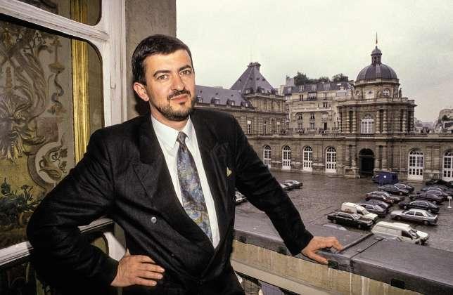 Jean-Luc Mélenchon, élu sénateur de l'Essonne en 1986 à seulement 35 ans (ici lors de son mandat).