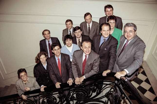 Avec Michel Rocard et les membres du bureau du PS, en 1993.