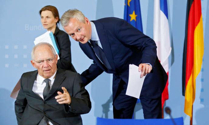 Le ministre allemand des finances, Wolfgang Schäuble, et le ministre français de l'économie, Bruno Le Maire, lundi 22mai, à Berlin.