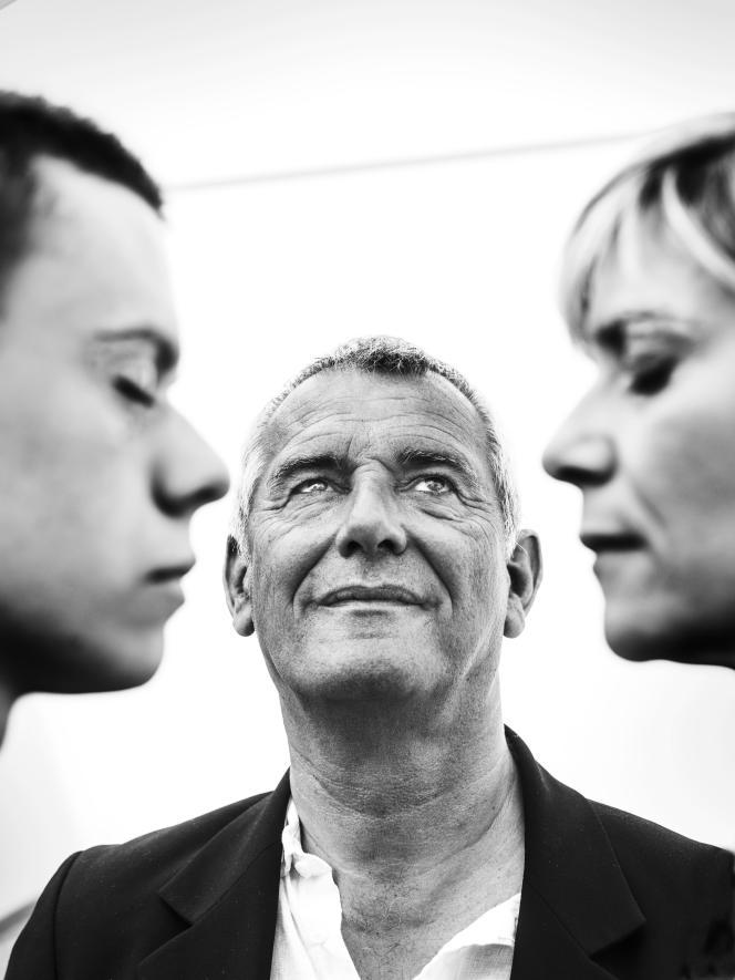 Le réalisateur Laurent Cantet avec les acteurs Matthieu Lucci (à gauche) et Marina Foïs à Cannes, le 22 mai 2017.