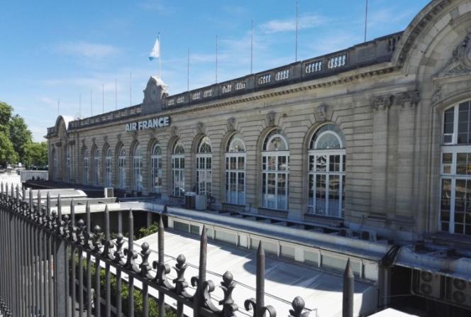L'esplanade des Invalides et son sous-sol de 13 000 m2 sont l'un des 34 sites proposés par la Mairie de Paris dans le cadre de son deuxième appel à projets «Réinventer Paris» lancé le 23 mai.