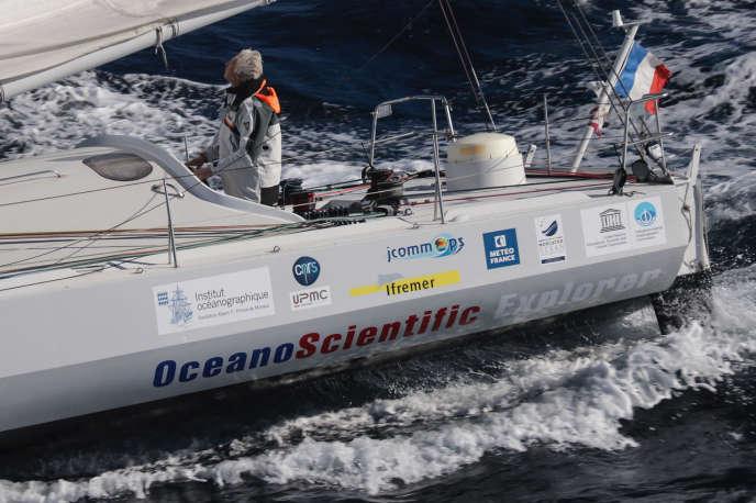 Yvan Griboval à bord de son voilier, le «Boogaloo»,au cours de l'expédition OceanoScientific.