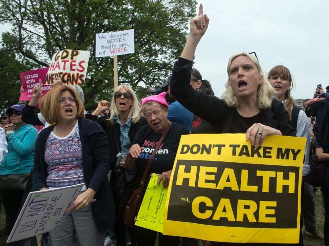 Une marche de protestation contre la réforme du système de santé américain, le 4 mai à Washington.