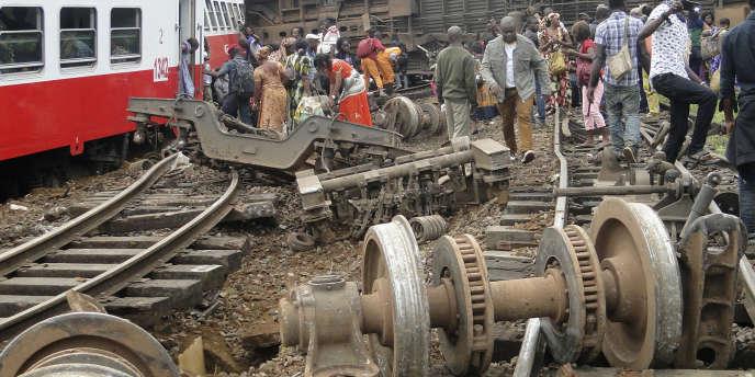 Le 21 octobre 2016, le train 152 Yaoundé-Douala déraille à l'approche de la gare d'Eseka. Le bilan officiel fait état de 79 morts et plus de 600 blessés.