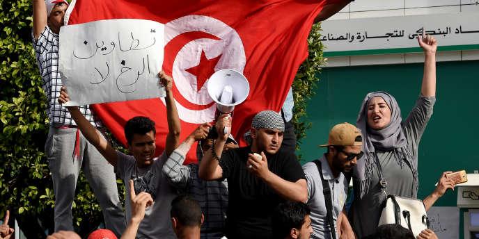 Tunis, le 22 mai 2017, manifestation de soutien au mouvement de protestation qui secoue la région de Tataouine, dans le sud de la Tunisie.
