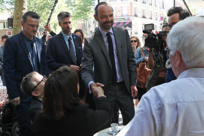 Le premier ministre Edouard Philippe, dans les rues de Paris le 26 mai.