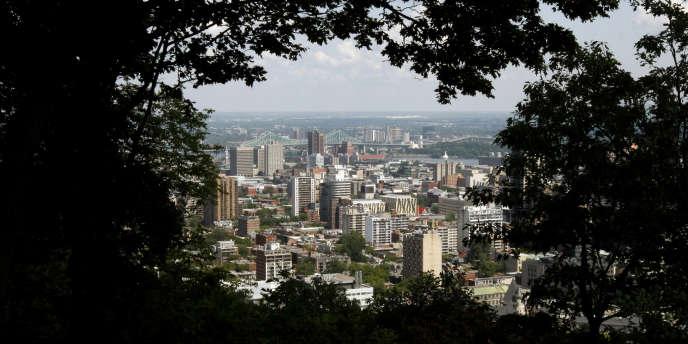 Vue de Montréal, au Canada, depuis le mont Royal, en août 2009.