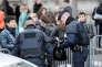 Contrôle de sécurité devant Notre-Dame, à Paris, le 27 mars 2016.
