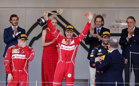 Sebastian Vettel sur la plus haute marche du podium du GP de Monaco, le 28 mai.