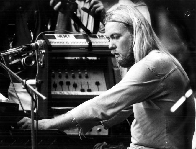 Gregg Allman derrière son orgue, lors d'un concert à Macon, Géorgie, le 24 août 1978.