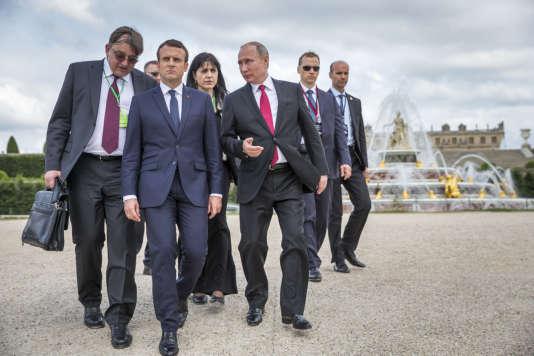 Emmanuel Macron, président de la république accueille Vladimir Poutine,  président russe au chateau de Versailles, lundi 29 mai 2017 - 2017©Jean-Claude Coutausse / french-politics pour Le Monde