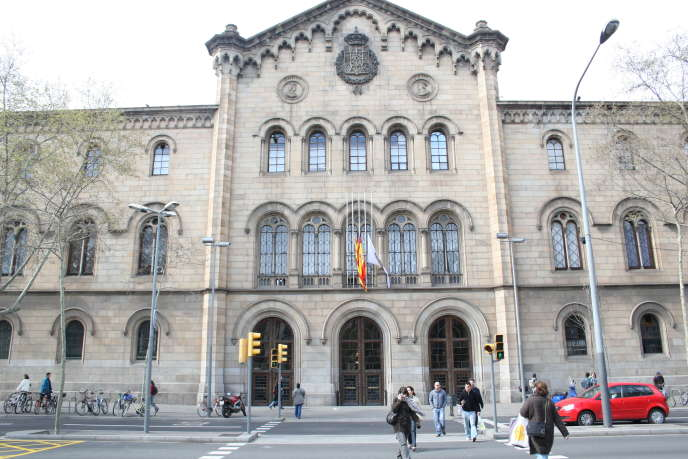 Université de Barcelone. L'Espagne est le premier pays d'accueil des étudiants européens en Erasmus+.