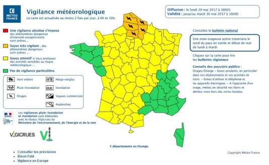 Les cinq départements de la région Hauts-de-France ont été placés lundi 29 mai après-midi en vigilance orange aux orages jusqu'à minuit par Météo France.